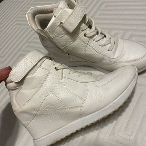 💐White wedges/sneakers 9.5 💐Good used cond